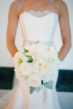 Stunning white bridal bouquet // photo by bestphotographyfl.com, planning by at-lastweddings.com, see more: http://theeverylastdetail.com/simple-elegant-candlelit-wedding/
