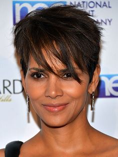 1000 ideas about halle berry haircut on pinterest halle berry pixie