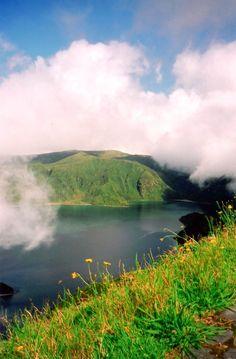La magia de la Isla de Sao Miguel capturada en una imagen. Un paraje que os sorprenderá sin duda! #azores #chollo #vacaciones