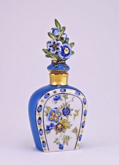 "Noritake perfume bottle and stopper, hand painted porcelain, porcelain dauber, cork seal. Noritake ""M"" mark. Antique Perfume Bottles, Vintage Bottles, Parfum Mademoiselle, Perfumes Vintage, Bijoux Art Nouveau, Beautiful Perfume, Bottle Art, Vases, Just For You"