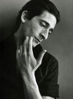 Adrien Brody. Say what you will. I had a massive crush on him after I saw King Kong.