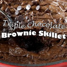 Brownie recipes 579205202054031458 - Triple Chocolate Skillet Brownie- rich, chocolatey brownies baked in a cast iron skillet. 3 types of chocolate for extra deliciousness! Homemade Chocolate, Chocolate Desserts, Chocolate Chip Cookies, Chocolate Chocolate, Baking Chocolate, Chocolate Truffles, Chocolate Covered, Brownie Recipes, Cake Recipes