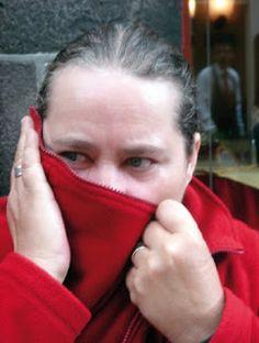 La escritora canaria Berbel (Mª del Pino Marrero Berbel) presentará el jueves 7 de marzo, a las 20,00 horas, la exposición 'Mujer y Palabra, foto-poemas' en el Museo Poeta Domingo Rivero (Calle Torres, 10, Las Palmas).