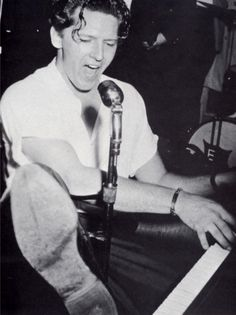Jerry Lee Lewis One Foot on the Piano #JerryLeeLewis #rockandroll #music http://zrockblog.com/jerry-lee-lewis-one-foot-on-the-piano/