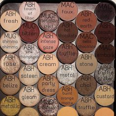 All this eyeshadows  #ABHShadows  @beautybyraeesa  #anastasiabeverlyhills