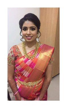 Indian Bridal Sarees, Bridal Silk Saree, Designer Bridal Lehenga, Indian Bridal Fashion, Indian Beauty Saree, Silk Saree Blouse Designs, Bridal Blouse Designs, Cut Work Blouse, Silk Saree Banarasi