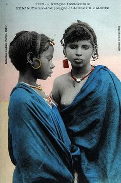 "This blue is mesmerizing. Africa | ""Fillette Maure-Pourougne et Jeune Fille Maure.   Afrique Occidentale"" ca. 1910. 