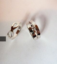 Nieuwe zilver design ringen. Omsmelten van eigen zilver ringen samen met opa's zilver ring. Silver design rings with a little bit of grandpa.