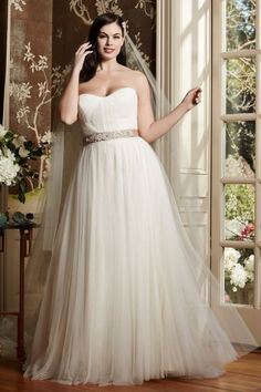 Cheap tulle bridal gown, Buy Quality bridal gown directly from China wedding gowns Suppliers: 2017 Plus Size Wedding Dresses Sweetheart Court Train Tulle Bridal Gowns A Line Custom Made Wedding Gowns with Crystal Beading Wedding Dresses For Curvy Women, Wedding Dresses Size 14, Sweetheart Wedding Dress, Plus Size Wedding, Perfect Wedding Dress, One Shoulder Wedding Dress, Bonny Bridal, Bridal Gowns, Wedding Gowns
