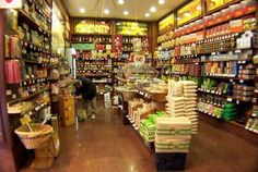 Shopping: Castroni   [district: a lot, the best are in Prati and La Storta]