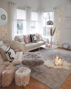Making a cozy living room designed in a wintry theme can be featured with a set of comfy sofas. Find out our top picks on winter living room decor with sofa. Winter Living Room, Living Room Decor Cozy, Living Room Modern, Living Room Interior, Decor Room, Living Room Designs, Bedroom Decor, Bedroom Ideas, Girls Bedroom