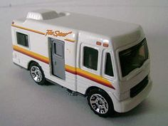 matchbox - truck camper-ÉSTE LO TUVE HACE POCO,CON APERTURA DE PUERTA...