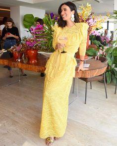 Get the look! Silvia Braz, Feminine Style, Feminine Fashion, Glamorous Dresses, Glamour, Work Looks, Yellow Dress, Get The Look, Foto E Video