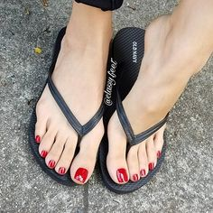 Please, start sucking on my big apple toes. You made me wet af by just thinking about it. #redtoes #footmodel #footfetish #footqueen #foot #footfetishnation #sexyfeet #prettytoes #footdomination #worship #beautifulfeet #footworshipping #footslave #barefeet #feetlovers#cutetoes #longtoes#softsoles #wrinkledsoles #toes #footarch #cutefeet #toespread #instafeet #soles #softfeet #perfectfeet #perfectsoles #classyfeet