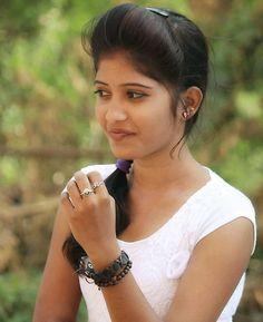 Cute Girl Photo, Beautiful Girl Photo, Beautiful Girl Indian, Most Beautiful Indian Actress, Beautiful Saree, Beautiful Women, Islamic Girl Images, Indian Girls Images, Cute Beauty
