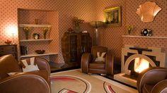 Interiors Weren't All Black, Gold and Drama Wohnzimmer der Jahre – 1 Home Farm Drive, Banbury Art Deco Room, Art Deco Living Room, Living Room Interior, Home Interior Design, Cafe Interior, Room Art, 1930s Home Decor, 1940s Home, Art Deco Zimmer