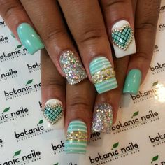 quenalbertini: Nail Design by botanic nails 3d Nail Designs, Nail Art Designs Images, Acrylic Nail Designs, Acrylic Nails, Fabulous Nails, Gorgeous Nails, Pretty Nails, Botanic Nails, Ongles Bling Bling