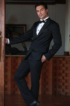 Farzan Athari - world's most beautiful man