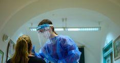 A koronavírus reprodukciós rátája 1,3, ez azt jelenti, hogy egy ember három embert tud megfertőzni. Lisziewicz Julianna immunológus elmondta, hogy ezt az... Health Ministry, Pretty Pictures, Health Care, Cute Pics, Cute Pictures, Health