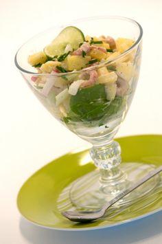 Zuiderse garnalencocktail met mango, bleekselderij en limoensap. www.lekkerculinair.com