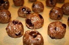 chocolate chip cookie dough protein balls - healthy