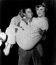 Tony Curtis y Jack Lemmon en el rodaje de Con faldas ya lo loco.
