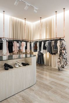 Visual merchandising is often regarded as a mix of science and art , so it may be a complex task. Here are a list of ideas for Boutique Displays and Visual Merchandising.