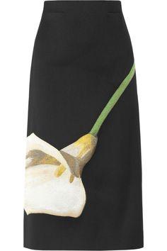 Yves Saint Laurent|Embroidered silk-blend twill skirt|NET-A-PORTER.COM heel leuk!