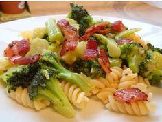 Brokkoli-Speckpfanne pikant scharf #Brokkoli #Pasta