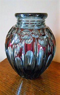 Val St Lambert Vase ADP7bis - Cristal bleu-Pompéi doublé rouge - Joseph Simon - Catalogue Cristaux de Fantaisie 1926. H 25,5 cm.