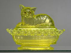 Westmoreland Glass Company | ... RARE SIGNED WESTMORELAND GLASS CO. VASELINE GLASS `CAT ON LACY BASE