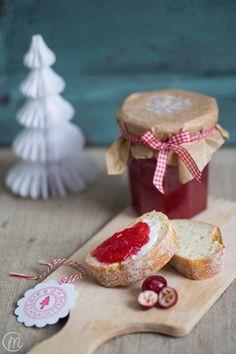 Die besten Ideen sind spontane Ideen. Auch so diese Cranberry-Apfel-Marmelade. Eine wahre Geschmacksexplosion auf der Zunge!