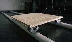 In this step-by-step video tutorial, we show you how to to build a durable, customizable dolly for your next video project — for next to nothing. Carpentry Tools, Woodworking Tools, Cassette Tape Crafts, Routeur Cnc, Diy Table Saw, Object Photography, Home Studio Music, Metal Working Tools, Homemade Tools