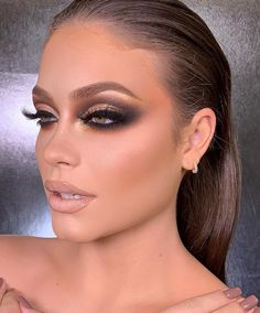 eye makeup cause watery eyes makeup list makeup younger looking much does mac charge for eye makeup makeup liner makeup map makeup eyeshadow makeup aesthetic Eye Makeup Art, Nude Makeup, Kiss Makeup, Eyeshadow Makeup, Hair Makeup, Eyeshadow Palette, Makeup Brush, Peach Makeup, Movie Makeup