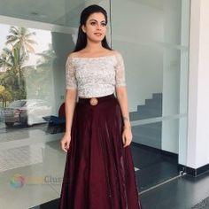 Long Skirt Top Designs, Long Skirt And Top, Crop Top Designs, Long Dress Design, Indian Gowns Dresses, Indian Fashion Dresses, Indian Designer Outfits, Skirt Fashion, Lehenga Designs