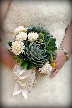 Ramo cactus y flores blancas silvestres