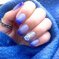 Ecco le unghie della nostra bravissima cliente Alice! 💅⚓ -UV GEL Diamond Shining -FULLCOLOR Glitter Argento n.11 -THERMOCOLOR UV GEL Azzurro/celestino n.6 #gelnails #uvgelnails #enailstore_official #enailstore