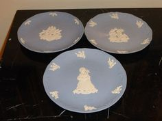 3 WEDGWOOD JASPERWARE BLUE AND WHITE CHRISTMAS PLATES 1991, 1997, AND 2002