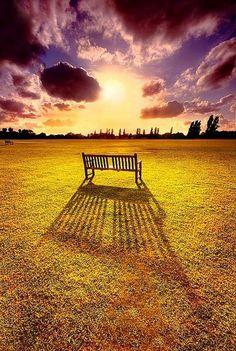 """""""Es muy bueno soñar que siempre hay espacio para ir más lejos y que lo haremos algún día. Los sueños nos alegran porque gracias a ellos sabemos que somos más capaces de lo que imaginábamos."""" Accra, Paulo Coelho."""