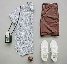 Tips For Wearing Short Sleeve Shirts With Pants Or Shorts .- Dicas Para Usar Camisas De Manga Curta Com Calças Ou Bermudas Tips For Wearing Short Sleeve Shirts With Pants Or Shorts – Men& Channel - Mode Outfits, Casual Outfits, Summer Outfits, Men Casual, Fashion Outfits, Mens Fashion, Fashion Tips, Casual Wear, Style Fashion