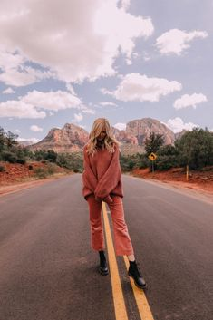 Fall in Sedona - Barefoot Blonde by Amber Fillerup Clark Mode Inspiration, Travel Inspiration, Road Trip Photography, Amber Fillerup, Barefoot Blonde, Destinations, How To Pose, Adventure Is Out There, Travel Goals