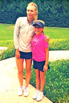 Erica meets Maria Sharapova and watches her training.