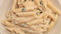 Rýchly a jednoduchý recept. Ideálne pre milovníkov cesnaku a syra. Ak hľadáte rýchlu večeru, ktorá uspokojí celú rodinu, tento recept je pre vás.