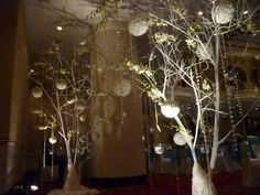 white tree wedding | White Tree Branch Decorating Idea With Lovely White Flowers, White ...