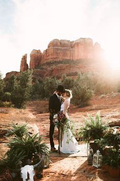 Sedona Red Rock Elopement Wedding at Cathedral Rock » Jane in the Woods Blog || Sedona & Destination Wedding Photographer & Planner
