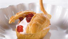 Tuulihatut - Valio.mobi Camembert Cheese, Muffin, Pie, Cupcakes, Sweets, Baking, Breakfast, Party, Desserts