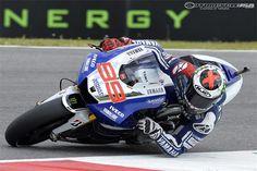 Jorge Lorenzo riding his Yamaha YZR-M1 at the 2013 Moto GP Mugello.