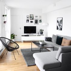 A Guide to Modern Apartment Decor For Living Room - fancyhomedecors Apartment Interior, Room Interior, Interior Design Living Room, Living Room Designs, Apartment Hacks, Interior Livingroom, Kitchen Interior, Home Living Room, Living Room Decor