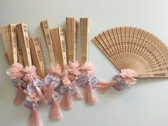 Fan pcs) Specially designed gift fans for your special occasions . - Life with Alyda Fan pcs) Specially designed gift fans for your special occasions . Wedding Favours, Wedding Souvenir, Wedding Gifts, Wedding Invitations, Modern Crafts, Diy And Crafts, Henna Night, Wedding Trends, Special Day