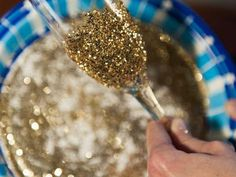 How to Make Glitter Champagne Flutes : Decorating : Home & Garden Television
